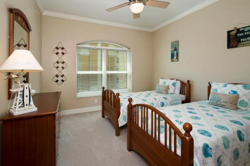 295-Grande-Way-Unit-606-Naples-large-026-37-Bedroom-33-1500x1000-72dpi